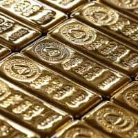 Gold hits 4-month high as dollar index falls to 3-year low