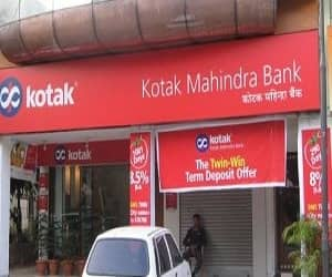 Kotak Mahindra Bank  Sector: Financials Years of out-performance: 5 years  Stock Price Performance  6 months: 16% 1 year: 42% 3 years: 45% 5 years: 16% 7 years: 38%