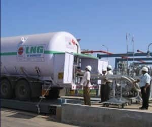 PETRONET LNG   Down 5% to close at Rs 139.30 Reason: Fourth quarter earnings came in lower than estimates **It reported a profit of Rs 245 Cr, down 17% sequentially led by lower marketing margin and slip in LNG volumes