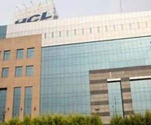 HCL Tech  Target price: 650  HCLTech is on a solid footing ahead with strong revenue visibility with growth led by client mining now V/s new clients earlier. Company remains confident of sustaining rev growth within the top tier league along with maintaining/improving margins.
