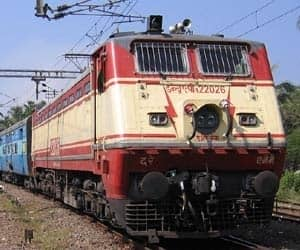 Indian Railways has 114,500 kilometres of total track over a route of 65,000 kilometres and 7,500 stations. It has the world's fourth largest railway network after those of the United States, Russia and China. It carries over 30 million passengers and 2.8 million tons of freight daily.
