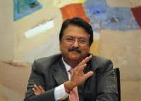 Ajay Piramal buys 10% in Shriram Transport, shares up 4%