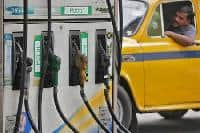 Hold HPCL; target of Rs 1239: Edelweiss