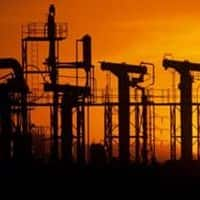 EC asks Oil Ministry to defer new gas price