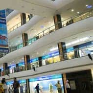 Divide between successful and unsuccessful malls widens