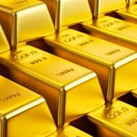 Gold futures spurt Rs 263 on global cues
