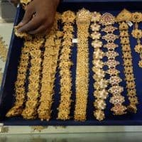 Low gold prices drive demand ahead of Diwali