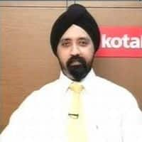 See robust growth in Q4 for HCL Tech, TCS : Kotak