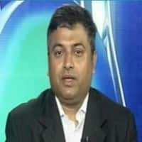 Here are Deepak Shenoy's few trading ideas