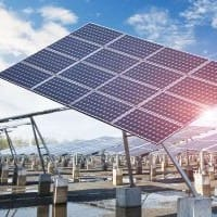 India-UK strike new solar, nano tech pacts