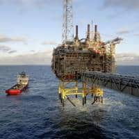 Oil prices fall on profit taking after hitting 2016 highs