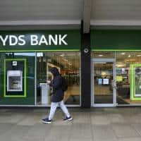 Lloyds plans 3,000 jobs cull, fresh branch closures after Brexit