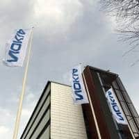 Nokia posts weak quarterly profits, lifts cost-cut target