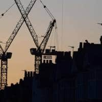 UK economy defies fears of quick Brexit hit, grows solidly in Q3