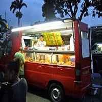 FSSAI to train street food vendors on hygiene,safety standards