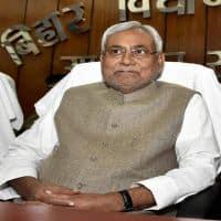 Bihar Govt not to renew license of liquor units in 2017-18
