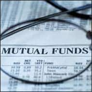 Mutual Funds plunged as Markets slip on selling pressure
