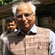 Sena activists attack Sudheendra for Kasuris book launch